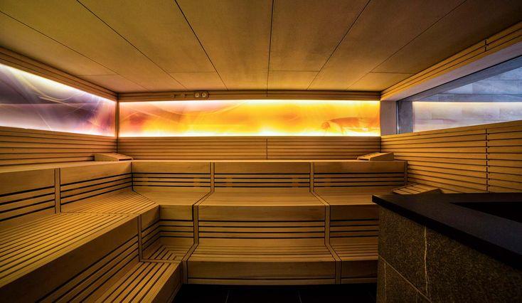Innenansicht der finnischen Sauna im Hotel Ideal Park