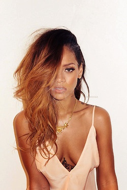 this color looks amazing on her - popculturez.com #Rihanna #Rihannanavy