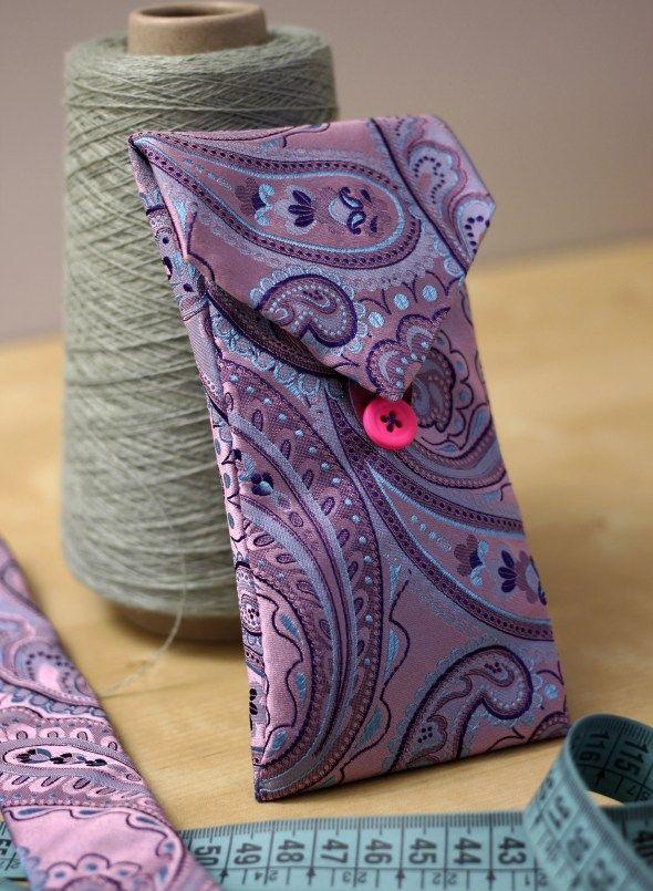 comment recycler une jolie cravate en pochette                                                                                                                                                                                 Plus
