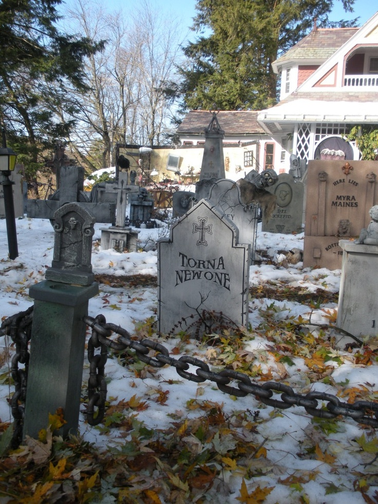 Cemetery Fence With Chain | Tomb Stones | Pinterest | Posts The Ou0026#39;jays And Halloween