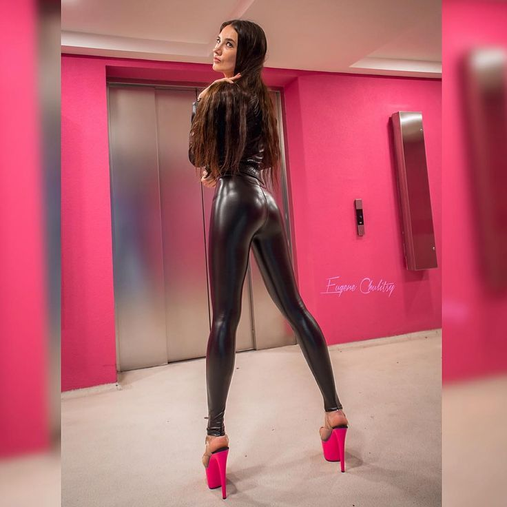 Shiny Girls In Latex Spandex Leggings Only Metarthunter 1