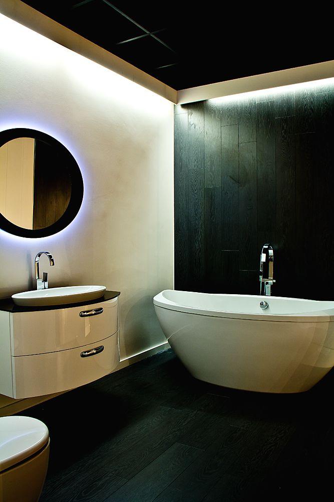 Commercial retail design for flagship bathroom showroom by Kingston Lafferty Design. Donal Murphy Photography www.kingstonlaffertydesign.com www.kingstonlaffertydesign.com #kld #kingstonlaffertydesign