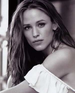 Jennifer Garner - my favorite female celebrity.
