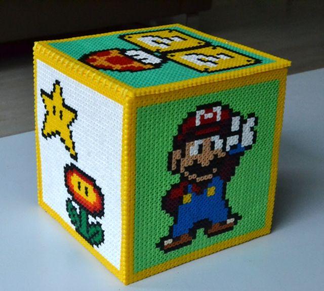 Cosymara: Opbergdoos van strijkkralen / Storage box of perler beads perler,hama,square pegboard,video games,nintendo,mario,