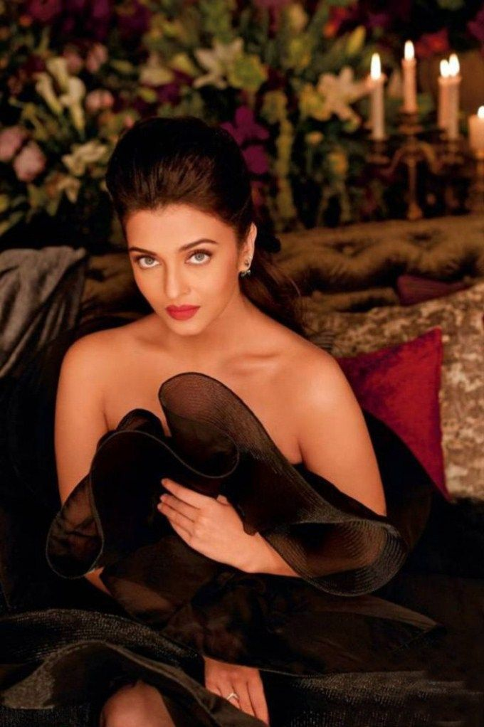 Beautiful actress aishwarya rai hot sexy pics images