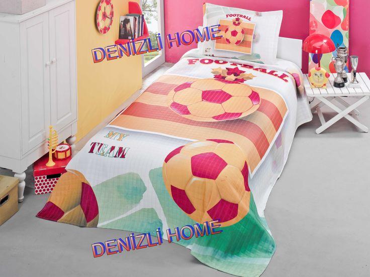 EVİM HOME 3D DİJİTAL BASKILI GENÇ YATAK ÖRTÜSÜ - My Team Sarı Kırmızı    1 Adet 180 x 250 cm Yatak Örtüsü  1 Adet 50 x 70 cm Volanlı Yastık Kılıfı