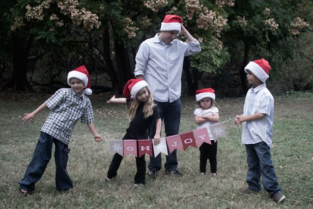 5 Frugal Christmas Traditions We LOVE #Christmas #frugal // bring-joy.com