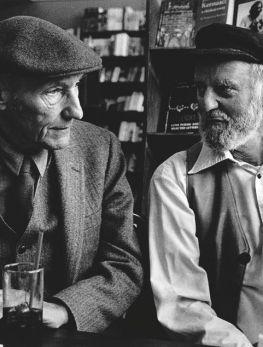 WILLIAM S. BURROUGHS AND FERLINGHETTI, 1981. PHOTO: CHRISTOPHER FELVER, FROM BEAT (LAST GASP, 2007). #O.Lettera-Ti @Libriamo Tutti http://www.libriamotutti.it/