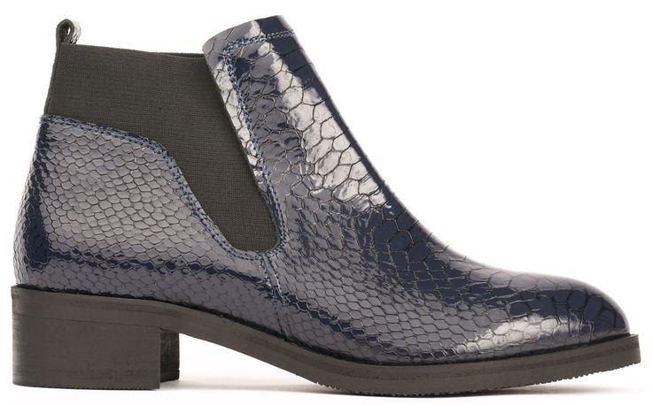 Flat boot blue snake