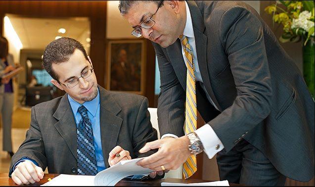 محامي قضايا عمالية دبي Good Lawyers Talk Show Person