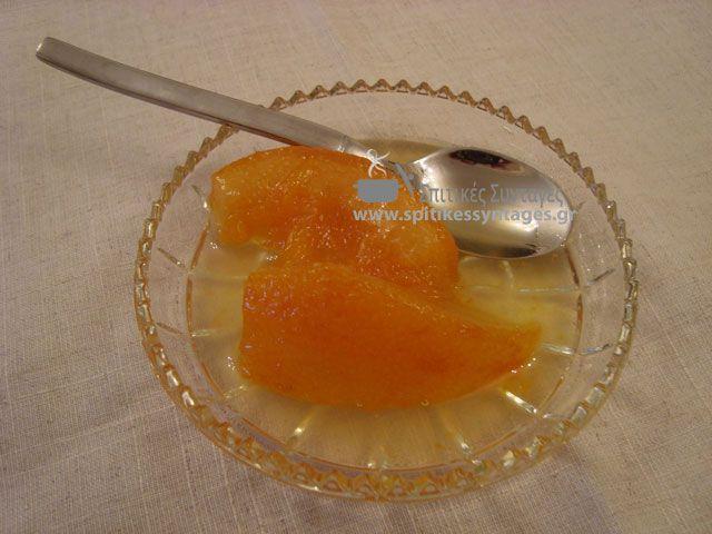 Τα γλυκά κουταλιού είναι από τα παραδοσιακά γλυκά που συναντάμε στα σπίτια μας. Σήμερα θα δούμε πως μπορούμε να φτιάξουμε γλυκό κουταλιού από πορτοκάλι