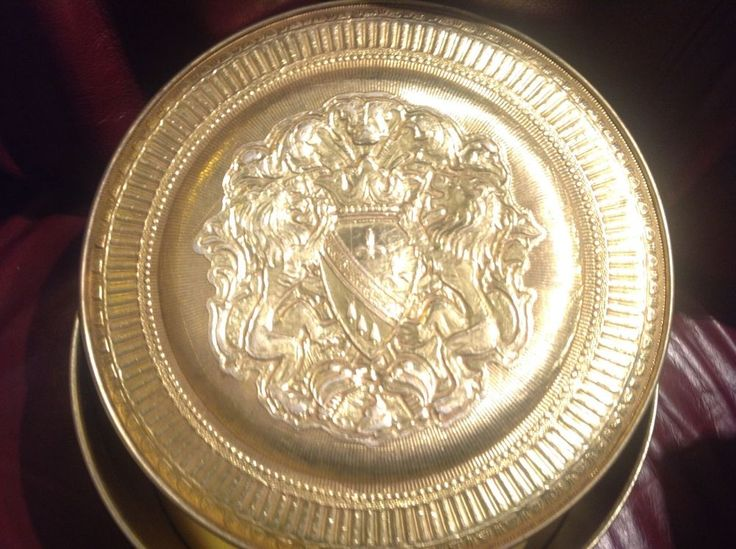 Vintage Guildcraft Ornate Embossed LION KNIGHT Gold Tin Container New York USA #GUILDCRAFT