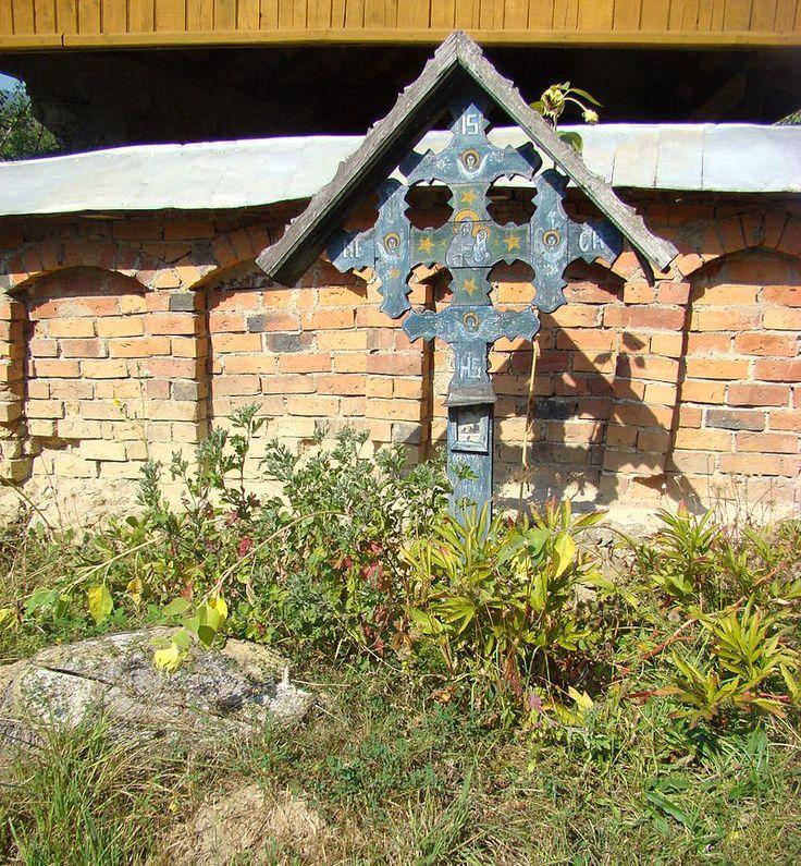 RO GJ Biserica de lemn Cuvioasa Paraschiva din Carpinis (3).JPG