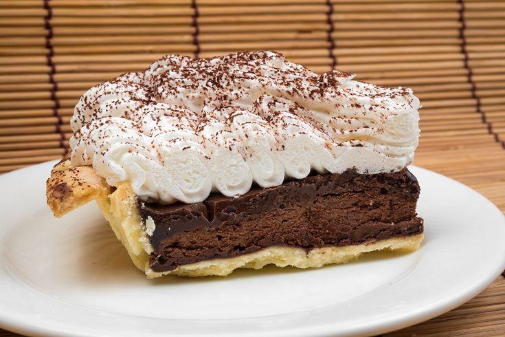 La crostata nutella e mascarpone è un dolce molto gustoso e goloso, adatto a mille occasioni diverse. Vediamo come prepararla