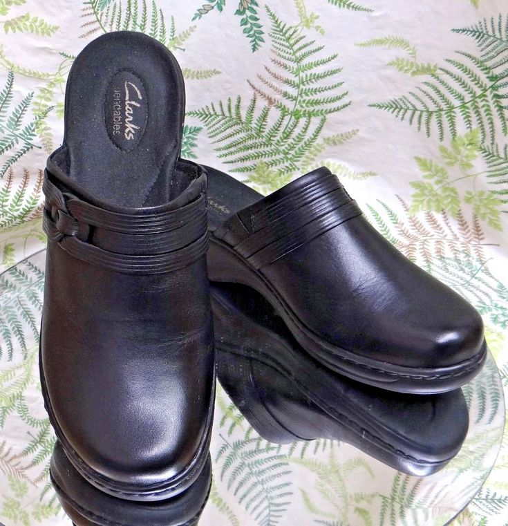 CLARKS BLACK LEATHER MULES SLIDES LOAFERS WORK DRESS HEELS SHOES WOMENS SZ 10 W #Clarks #Mules #WeartoWork