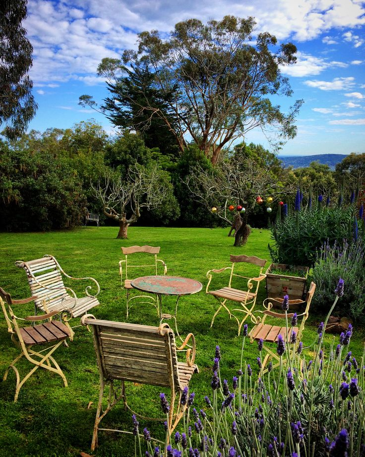 Garden setting