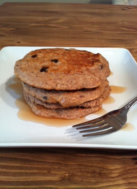 Oatmeal raisin pancakes | healthy vegetarian (: | Pinterest