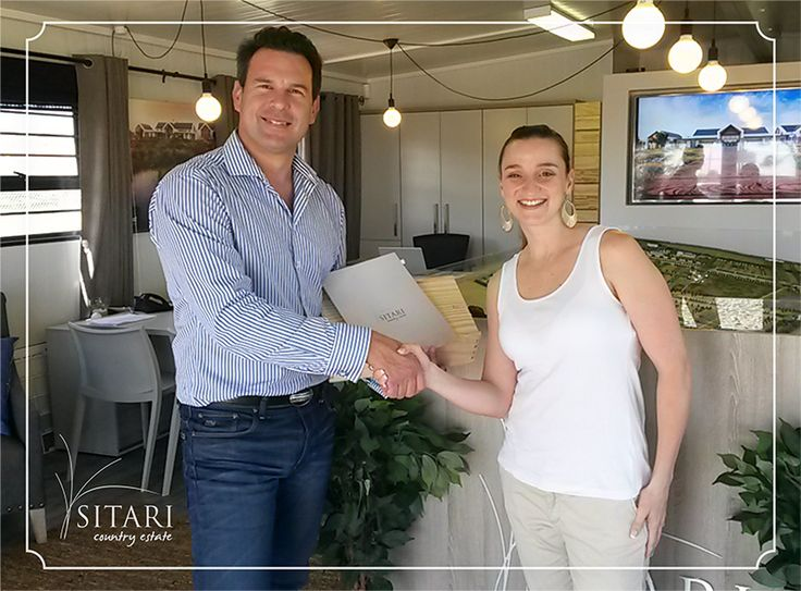 Meet Rozanne, our winner for the Country Love competition. We hope you enjoy your hot air balloon ride as well as your champagne breakfast. Don't forget to share your special memories with us.