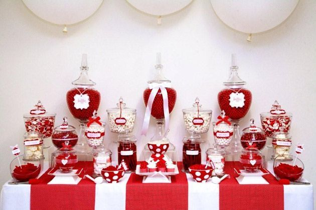Un candy bar en rouge et blanc