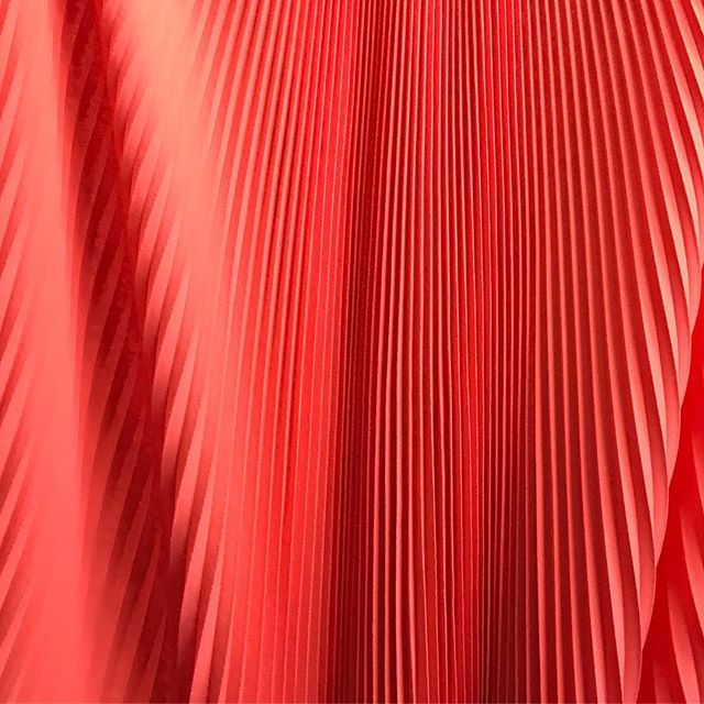 No filter needed for this one...Happy independence weekend America!   #twinspleating #madeinla #madeinusa #pleating #sunburst #sunburstpleating #accordion #accordionpleating #summerpleats #summer #summerfashion #fashion #fashioninla #fashiondesign #neon #neoncolors #neonfabric #textile #fabric #nofilter #fbf #madeinamerica #makeitinla #americanmade #depth #origami #couture #womensfashion