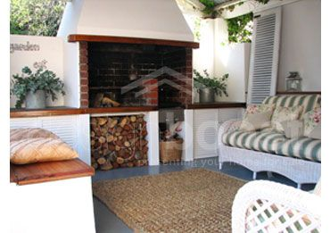 Outdoor area- love the couch detail