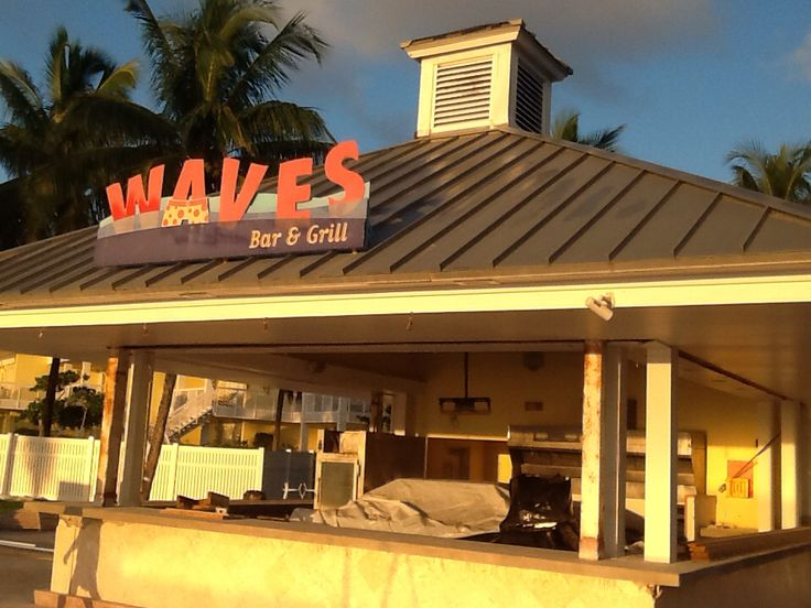 right next door to us was an interesting Bar & Grill named Waves.  Cool little spot.