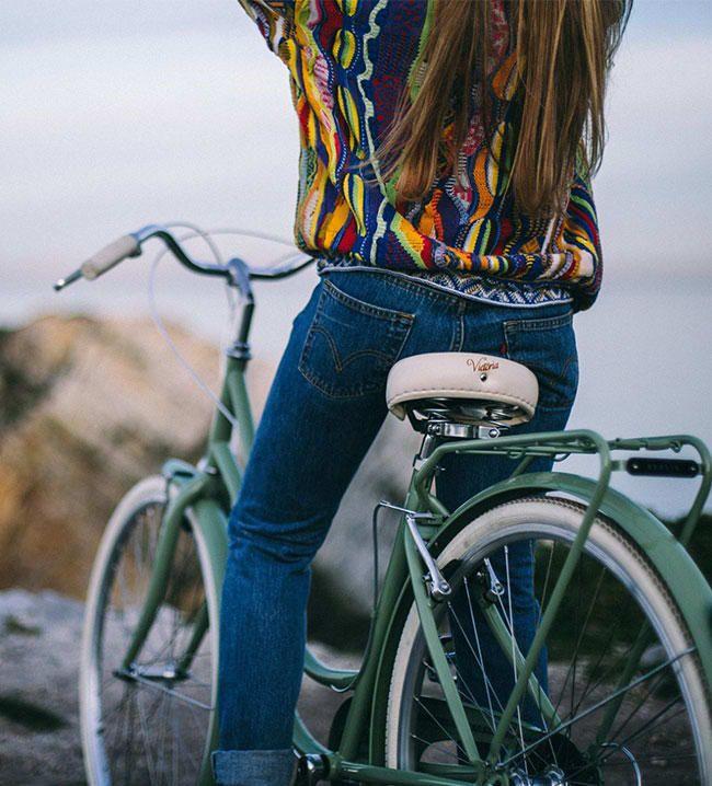 ITALIA INSPIRA  Capri es una marca de bicicletas clásicas de inspiración italiana que combina estilo y tecnología. Creada en 2010, actualmente es todo un referente en el mundo del ciclismo urbano.