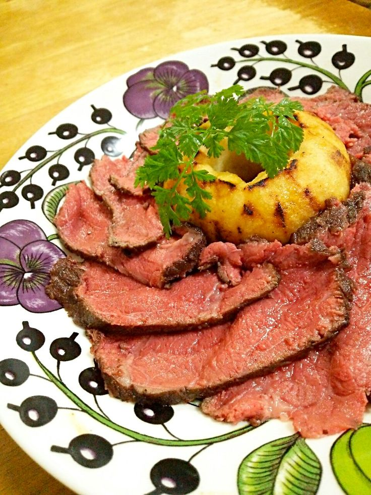 徳之島トトロンヌ's dish photo 炊飯器で簡単ローストビーフ | http://snapdish.co #SnapDish #レシピ #お正月 #イギリス料理 #肉料理 #みんなでわいわいパーティ料理