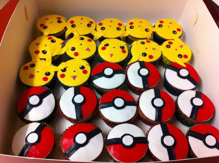 Pokemon cupcakes! (not sure whether to put this under Geek or Food & Drink...)