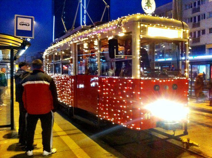 Wigilijny tramwaj z hashtagami Christmas Eve tram#