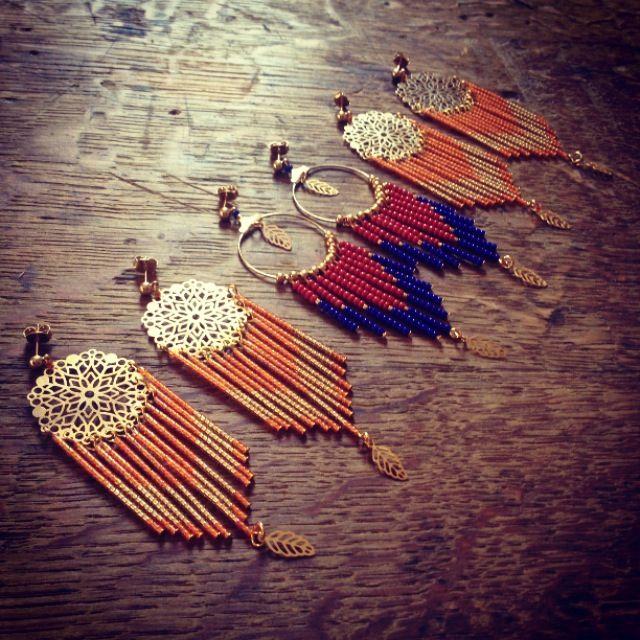 Paires de boucles d'oreille Dreamcatcher Corail & Boheme chic Bleu électrique Corail à retrouver sur www.rubambelle.com earrings