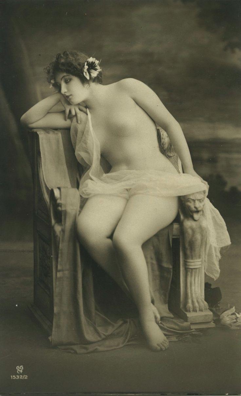 Vintage Nude Postcard 26