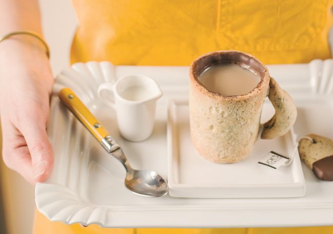 We show you how to make an edible cup with the help of Bee Berrie from her recipe book 'Bee's Brilliant Biscuits', so you can have your tea and eat it too!