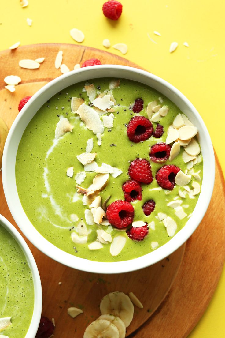 Quick, 5-ingredient green smoothie bowl infused with matcha green tea powder! Creamy, naturally sweet, and just as healthy as it is delicious!