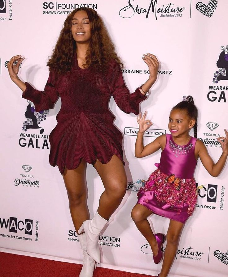 Solange & Blue Ivy Carter at the Wearable Art Gala at California African American Museum on April 29, 2017 in Los Angeles, California.