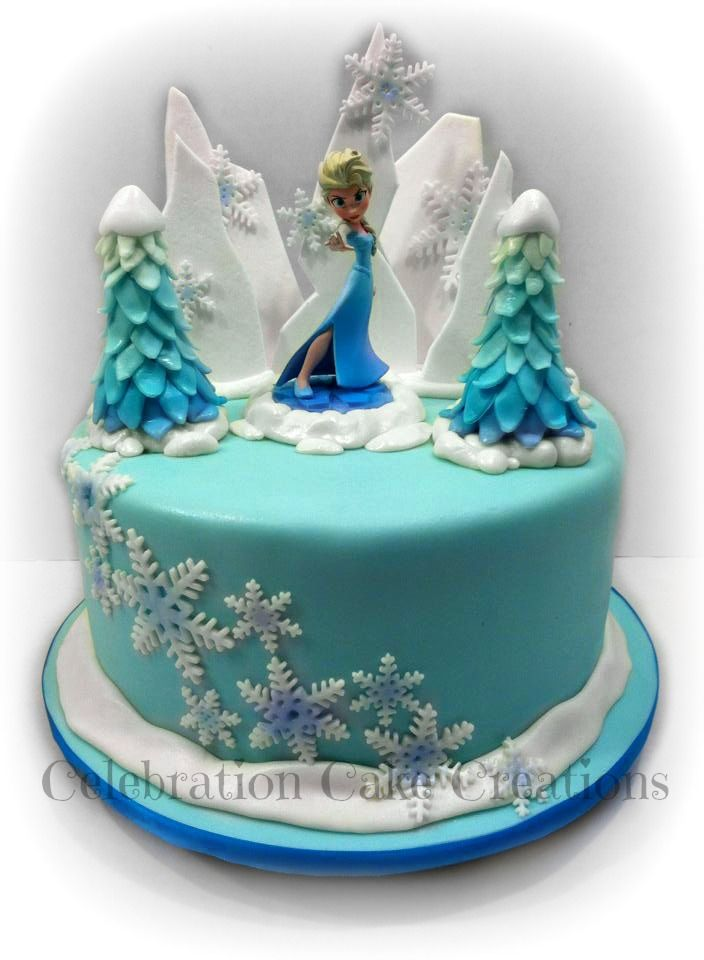 Decorating Cake With Frozen Strawberries : 1487 best Disney s Frozen Cakes images on Pinterest