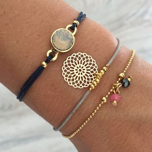 A very simple bracelet..#hippy
