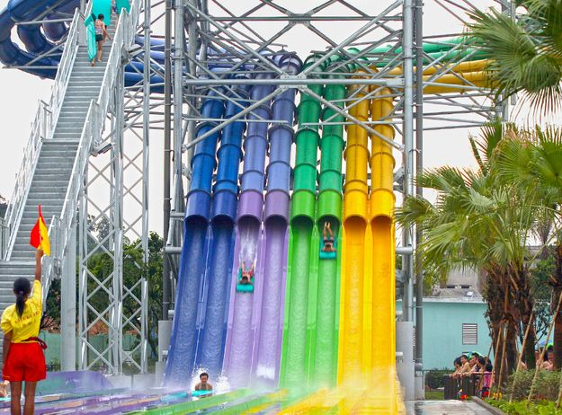 Head-first Racer, China | 18 Of The Coolest Water Slides From Around The World