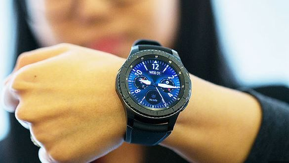 Samsung Gear S4 - Samsung Gear S4 Release Date, Price, and Features are here for you. If you are looking forward to Buying the Samsung Gear S4, and are waiting for its release, then this is the time you get to know about it. So, read this article and you will get to know it all.