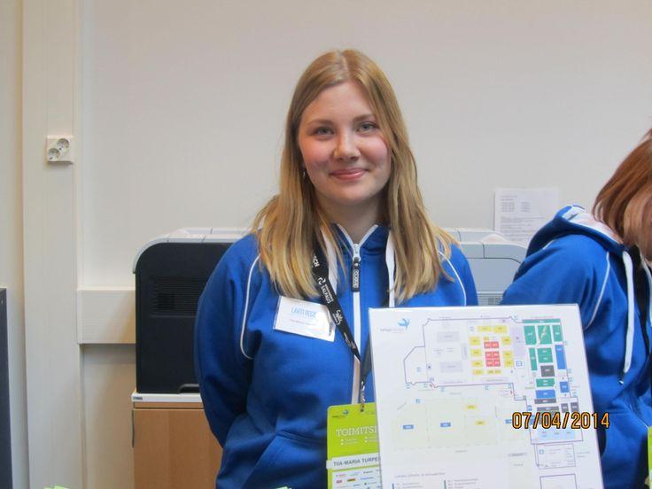 Tiia-Maria Turpeinen on kolmannen vuoden matkailualan opiskelija. Taitajissa hän työskentelee majoitusinfossa. Tiia-Maria kommentoi että kaikki on sujunut hyvin ja on ollut kivaa, kiireestä huolimatta.
