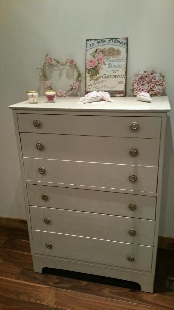 Shabby Chic handpainted vintage 1930s chest of drawers painted in Annie Sloan Ochre and lightly distressed to give that shabby chic look. Love the vintage handles all originals. For sale on Gumtree for £120 in Edinburgh area. Colourmefurniture