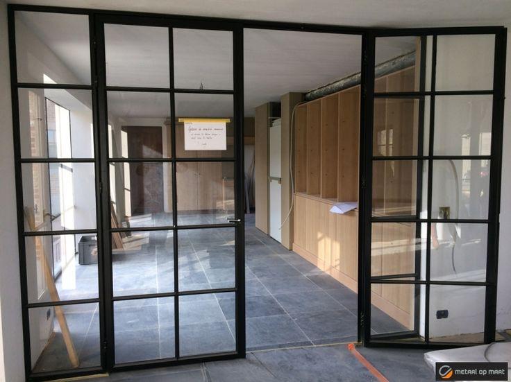 Stalen ramen, smeedijzeren ramen, metalen ramen en buitenschrijnwerk: met 20 jaar ervaring is Metaal op Maat jouw specialist voor vakwerk.