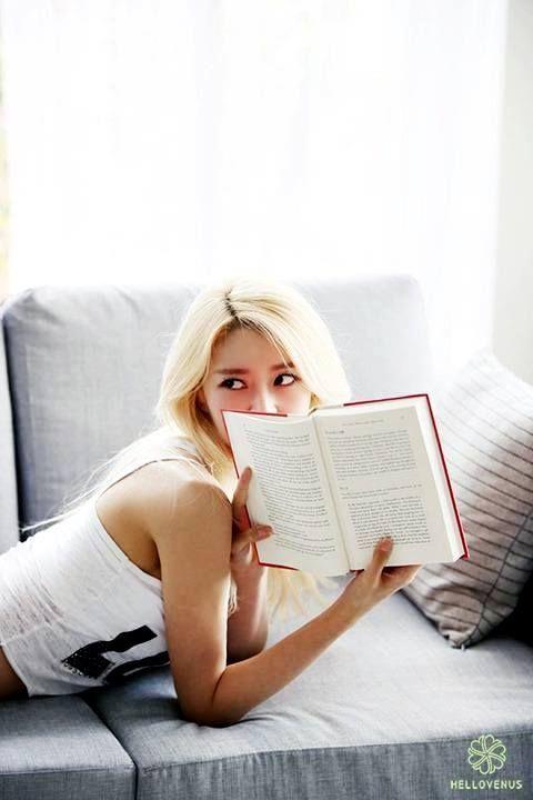 #GoddessNaraDay  Nara'nın lakapları;  Ddochi. (Küçük Dinozor Dooly çizgi filmindeki karakter.) Bundang'ın Lee Na Young'u. Milyon dolarlık gülüş. Kore'nin Julia Roberts'ı. Kore'nin Angelina Jolie'si.
