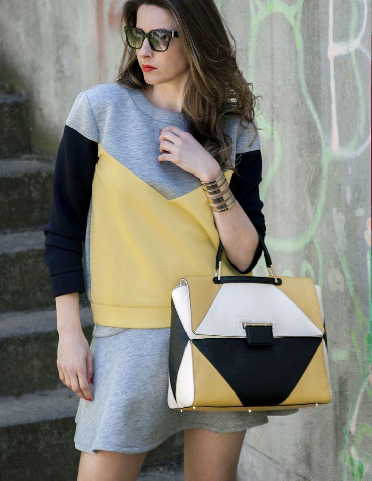 Sporty chic for #FURLAPERFECTMATCH!  #SophieArtPhoto #HelenaStyle #maxandco #FURLA #fashion #fashionblogger #style #streetsyle #accessories #sunglasses #cuff #grey #yellow #ilovemomblog