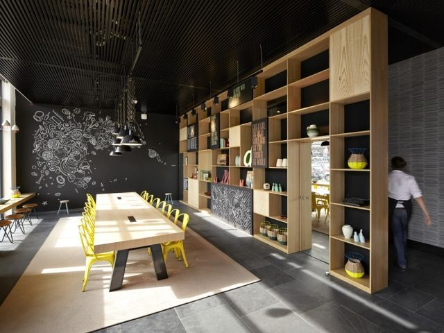 espace multi tasks bibliothque et mur sparateur murs cratif en ardoise cafe interiorcafe - Multi Cafe Decoration