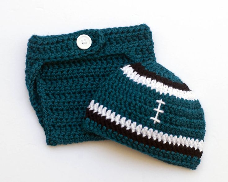 Eagles Football Baby Outfit #football #eagles #eaglesnation #eaglesnest #eaglesfan #eaglesbaby #flyeaglesfly #superbowl #superbowlchamps #babyboy #goeagles #baby #babies #northeastphilly #philly #newborn #philadelphiaeagles #eagleswin #eaglesfamily #footballfamily #nfl