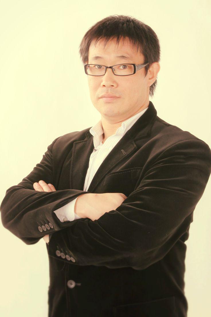 ゲスト◇中西大輔(Daisuke Nakanishi)東西株式会社 専務取締役。昭和45年川崎生まれ。1989年東西株式会社にトラックの運転手としてアルバイト入社。1990年大手事務機器メーカー事業所責任者として赴任。1992年に取引先CS獲得し在籍人数130名まで増員。コンプライアンス順守の為、派遣認可取得。派遣会社として成長するきっかけを作る。1994年他事業所紹介受けて立上げ150名まで増員。2001年営業部へ配属。2002年営業部川崎営業所の所長に就任。大手製造メーカー受注及び立上げを複数手がける。2006年専務取締役に就任。2013年人脈を増やそうと神奈川県中小企業家同友会に入会。2014年同友会→ポラリスの流れから全日本製造業世界コマ大戦実行委員になる。東西株式会社 ホームページhttp://www.touzai.jp/