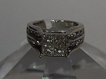 Jewellery-Designer- 3 carat Diamond and white gold ring