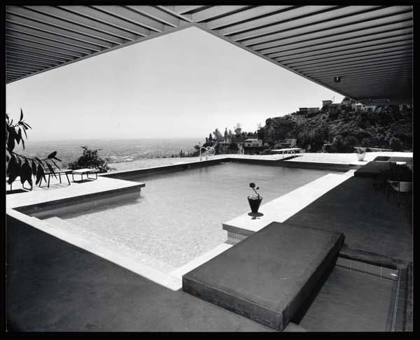 Case Study House No. 22 (Los Angeles, Calif.), 1960 :: Photo by Julius Schulman