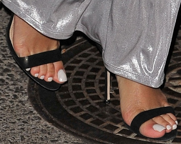 Rihanna Toes: Manos, Pies Y Make-up